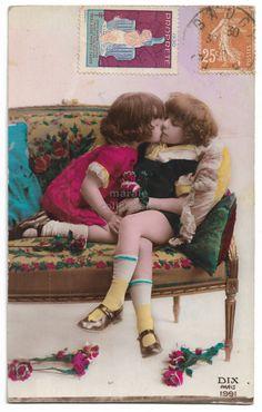 Twenties Couple  Passionate Kiss  Year 1923  Romantic Scene  Made in Germany  Original Antique  German Postcard