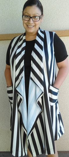 Sleeveless Black & Cream Vest w/Pockets by luisalove30 on Etsy