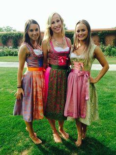 Lovely Dresses, Modest Dresses, Girls Dresses, Beer Girl, Barefoot Girls, Dirndl Dress, German Women, Princesa Disney, Sweet Dress
