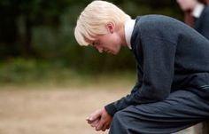 Harry Potter y la Orden del Fénix - Draco, enojado después de que encarcelen a su padre en Azkaban. Harry Potter Books, Harry Potter Love, Harry Potter Deleted Scenes, Harry Potter Draco Malfoy, Harry Potter Universal, Harry Potter Fandom, Harry Potter World, Haary Potter, Hogwarts