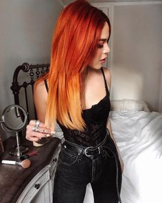 Just finished blow drying my hair using the Elixir Ultime Original Oil to protect my ends and add shine 🖤 Obsessed with… Color Cobrizo, Hair Colour Design, Hair Color, Aesthetic Grunge Outfit, Aesthetic Hair, Grunge Look, Grunge Girl, 90s Grunge, Grunge Style