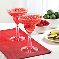 Whether you're having a Valentine bash or a party for two, this Strawberry Margarita Spritzers Recipe is the perfect Valentine's Day drink. Luau Party Favors, Luau Party Supplies, Wedding Supplies, Refreshing Cocktails, Yummy Drinks, Luau Drinks, Strawberry Daiquiri Mix, Pineapple Centerpiece, Luau Food