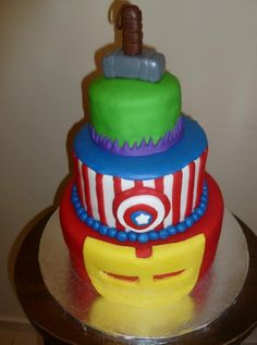 So cute, Avengers cake I pulled this one off. It was a huge hit at my son's birthday party! Fancy Cakes, Cute Cakes, Crazy Cakes, Cake Cookies, Cupcake Cakes, Avengers Birthday Cakes, Avenger Cake, Avenger Party, Superhero Party