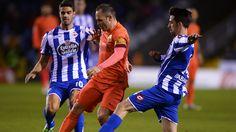 @Deportivo Juan Domínguez e Isaac Cuenca le cierran el paso a Andrés Iniesta #9ine