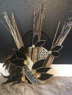 #tahitianheadpiece Headdress, Headpiece, Islas Cook, Tahitian Costumes, Polynesian Dance, Tonga, Hula, Dance Costumes, Costume Design