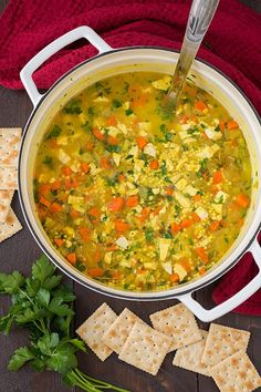 Chicken Soup For Colds, Healthy Chicken Soup, Chicken Soup Recipes, Healthy Soup, Healthy Eating, Healthy Crockpot Recipes, Lunch Recipes, Cooking Recipes, What's Cooking