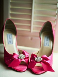 Who Wants These Hot Pink Wedding Shoes? - http://www.stylishboard.com/wants-hot-pink-wedding-shoes/