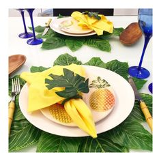 Apaixonada por essa mesa Brasileiríssima!  Um Domingo verde a amarelo para nós!  #semanamesahits_nacoes #lardocemesa #mesahits #mesaposta #olioliteam