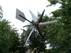 14 Off-Grid Projects to Cut Your Energy and Water Usage - WebEcoist Wind Power Generator, Diy Generator, Homemade Generator, Renewable Energy, Solar Energy, Expo Sciences, Solar Power Facts, Solar Cooker, Diy Solar