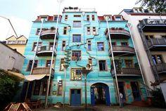 Фото: Самые экстравагантные и необычные жилые дома в мире (Фото)