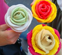How cute are these gelato flowers?!