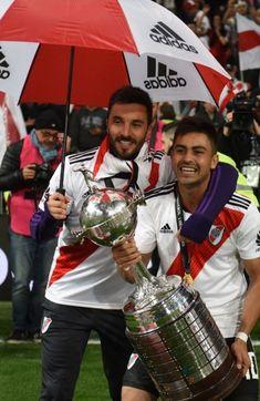 Vamos River!!!!!! Escudo River Plate, Prince Royce, Thing 1, Plates, Sport, Carp, Grande, Messi, Football