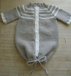 Ravelry: Comfy Angel's Nest / nid d'ange douillet pattern by Audrey Paquin http://www.ravelry.com/patterns/library/comfy-angels-nest---nid-dange-douillet