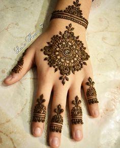 Round Mehndi Design, Henna Flower Designs, Indian Henna Designs, Henna Tattoo Designs Simple, Mehndi Designs Book, Full Hand Mehndi Designs, Mehndi Designs For Beginners, Modern Mehndi Designs, Mehndi Design Pictures
