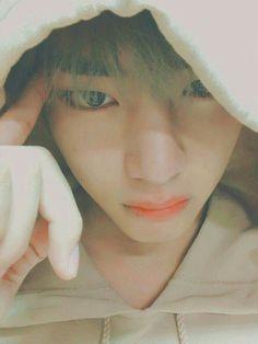 [END] Have a taehyung boyfriend is difficult, difficult because many … # Fiksi penggemar # amreading # books # wattpad Taehyung Selca, Jimin, Bts Bangtan Boy, Bts Boys, Daegu, Bts Photo, Foto Bts, Seokjin, Hoseok