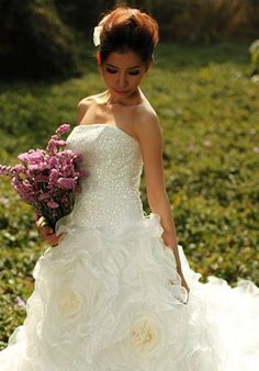 Shiny Sequin Romantic Organza Full Rose Flowering Wedding Dress