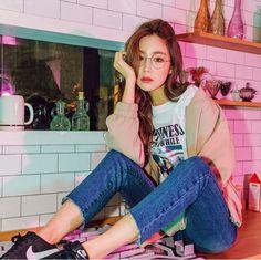 Korean Girl Fashion, Ulzzang Fashion, Harajuku Fashion, Japanese Fashion, Ulzzang Girl, Asian Fashion, Fashion Beauty, Fashion Outfits, Style Fashion