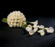 Znalezione obrazy dla zapytania wianek okrągły na grób ze sztucznych kwiatów