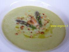 Vellutata di Asparagi verdi con Cipollotti, Menta fresca e scaglie di Mandorle