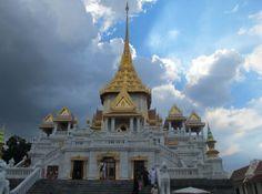 Wat Triamit in China Town in Bangkok