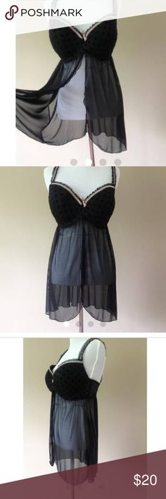 1X / Babydoll Nightie Bra Slip Negligee Lingerie Black babydoll bra slip nightie with stretchy adjustable straps, underwire lightly padded cups and an open flyaway front. Back and center three option eye and hook keyhole back. Plus size 1X. Intimates & Sleepwear Chemises & Slips