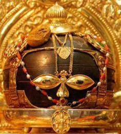Traditional Shaligramas – Sight to behold Krishna Leela, Jai Shree Krishna, Kalash Decoration, Shiva Linga, Krishna Statue, Lord Vishnu Wallpapers, Om Namah Shivaya, Lord Krishna Images, Hindu Deities