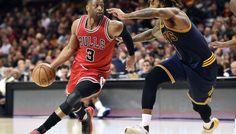 Dwyane Wade et Jimmy Butler font chuter les Cavaliers ! -  Depuis la trade deadline, le message est clair : quelles que soient les motivations de leurs dirigeants, les joueurs des Bulls jouent pour la victoire. Après la victoire face aux… Lire la suite»  http://www.basketusa.com/wp-content/uploads/2017/02/dwyanewade-570x325.jpg - Par http://www.78682homes.com/dwyane-wade-et-jimmy-butler-font-chuter-les-cavaliers homms2013 sur 78682 homes #Basket