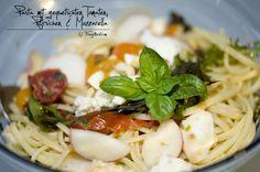 Pasta, Php, Mozzarella, Spaghetti, Ethnic Recipes, Noodles, Tomatoes, Peaches, Kochen