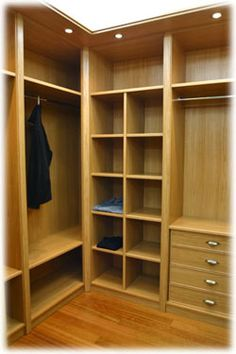 Vestidor 2 Bedroom Closet Design, Bedroom Wardrobe, Wardrobe Closet, Wardrobe Design, Front Closet, Dressing Room Closet, Small Space Bathroom, Closet Layout, Cleaning Closet