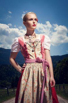 Dirndl *Attersee* von Ninnerl Dirndlmanufaktur auf DaWanda.com