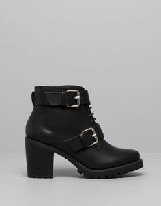 HIGH HEEL ANKLE BOOTS WITH SERRATED SOLE - BLACK