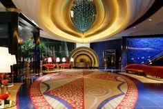 La lobby del ristorante all'interno del Burj Al Arab