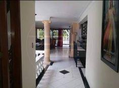 Casa en Venta - Laureles, Medellín | Ciencuadras Windows, Sell House, House Beautiful, Ramen, Window