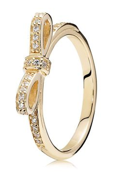 LOVE this gold sparkling bow ring