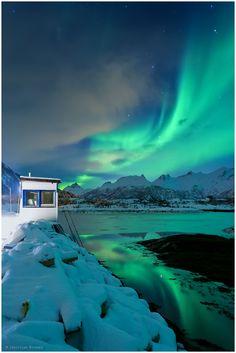 The Northern Lights | Lofoten, Norway | http://www.etips.com