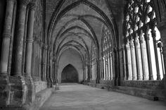 Lateral claustro World, Architecture, Places, Fotografia