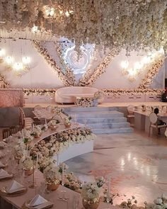 Hallway Decorating 608478599637552827 – Beautiful wedding decor inspiration and ideas! Source by haylyngrekam Hallway Decorating 608478599637552827 – Beautiful wedding decor inspiration and ideas! Wedding Stage Design, Wedding Reception Lighting, Wedding Stage Decorations, Altar Decorations, Wedding Themes, Wedding Mandap, Wedding Receptions, Wedding Ideas, Wedding Ceiling