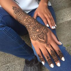 Tattoo foot finger henna designs 34 ideas for 2019 The post Tattoo foot finger henna designs 34 ideas for 2019 appeared first on Best Tattoos. Henna Hand Designs, Pretty Henna Designs, Henna Tattoo Designs Simple, Mehndi Designs, Simple Henna, Beginner Henna Designs, Tattoo Simple, Henna Tattoo Hand, Henna Body Art