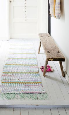 Bookazine: Parhaat sukat ja lapaset   Meillä kotona Rural House, Vintage Baskets, Minimalist Interior, Home Decor Kitchen, Home Interior, Cottage Style, Decoration, Architecture, Beautiful Homes