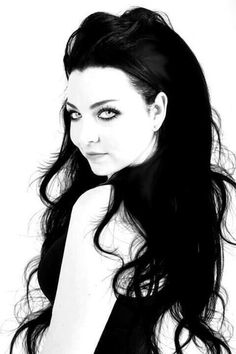 Evanescence- Amy Lee black and white. I love Amy Lee ♥♥♥ Snow White Queen, Bring Me To Life, Amy Lee Evanescence, Musica Pop, Women Of Rock, Photoshop, Punk, Woman Crush, Goth Girls