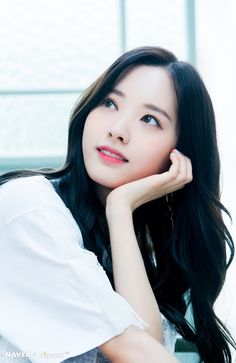 From breaking news and entertainment to sports and politics, get the full story with all the live commentary. Korean Beauty Girls, Korean Girl, Asian Beauty, Kpop Girl Groups, Kpop Girls, Bubblegum Pop, Things To Do With Boys, Kim Hyun, Cosmic Girls