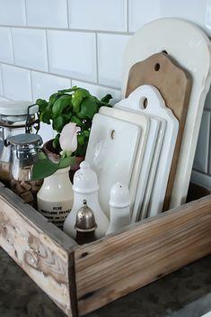 Kitchen Organisation 9 Kitchen Display, Kitchen Utensil Storage, Kitchen Window Decor, Kitchen Countertop Organization, Storage For Small Kitchen, Small Kitchen Solutions, Kitchen Box, Kitchen Styling, Wooden Crate Kitchen Storage