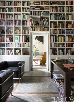 bookish Home of Kris Ghesquière and Eva Claessens in Uruguay via Elle Decor photo by Ricardo Labougle. Elle Decor, Home Library Design, House Design, Design Desk, Lounge Chair, Home Libraries, Trendy Home, Home Office Decor, Office Ideas