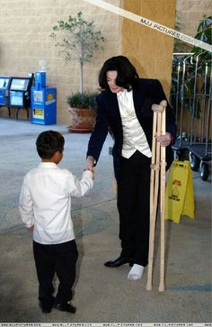 This is the sweetest picture ever, I really believe that. Beautiful.