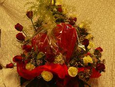 Canasta de Rosas rojas y blancas, Paniculata, Esparraguera y Corazón de peluche