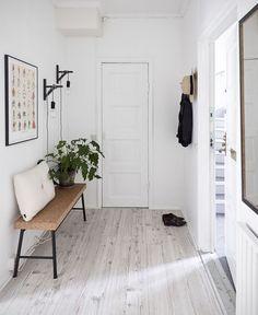 4 Confident Tips AND Tricks: Bohemian Minimalist Home Beds modern minimalist living room apartment.Minimalist Decor Colorful Gray minimalist home exterior decor.Minimalist Home Interior Diy. Minimalist Home Decor, Minimalist Interior, Minimalist Living, Minimalist Apartment, Modern Minimalist, Minimalist Kitchen, Minimalist Bedroom, Minimalist Design, Minimalist Lifestyle