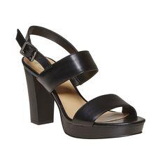 Sandali neri con tacco massiccio