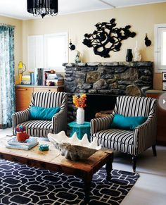 Love the chair style