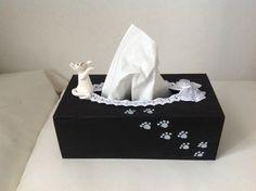 Chat... Boite à mouchoirs noir et blanc : Boîtes, coffrets par zoe-et-nana