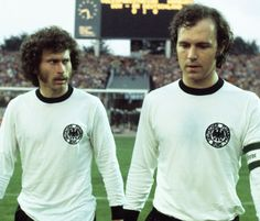 Paul Breitner and Franz Beckenbauer (East Germany West Germany - 1974 FIFA World Cup Group 1 - God Of Football, Football Icon, National Football Teams, World Football, Sport Football, School Football, Football Shirts, Sven Bender, Lars Bender
